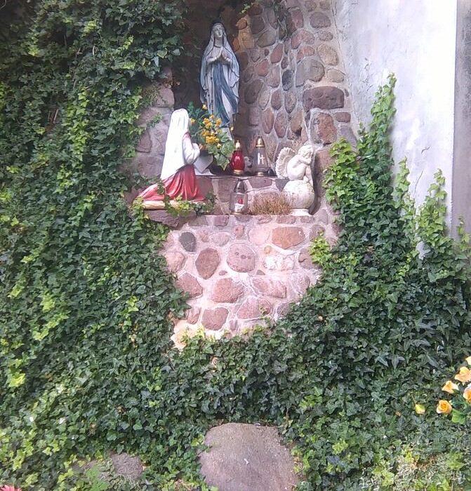 Grota Maryi wKoźminie