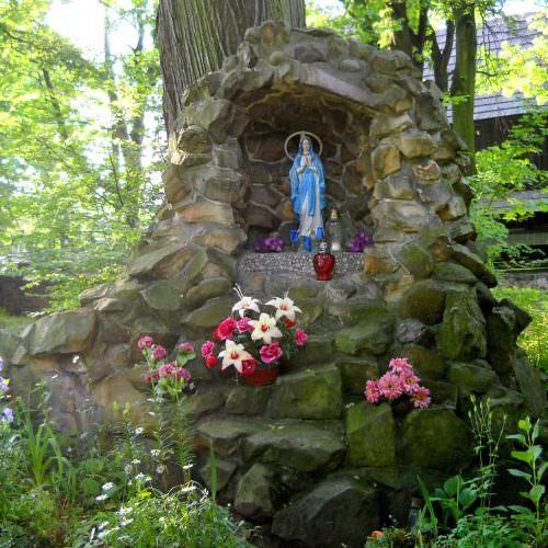 Grota Matki Boskiej wBełku