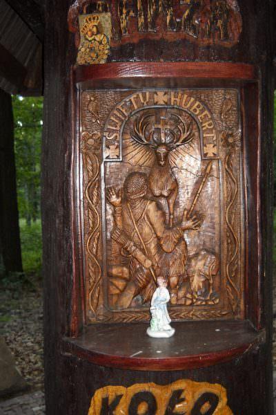 Leśna kapliczka wDębieńsku Wielkim