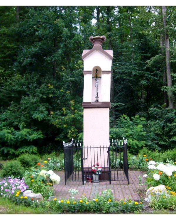 Kapliczka koło Trzciela