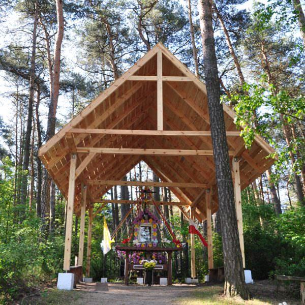 Kapliczka koło Małcza