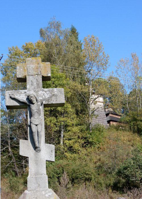 Krzyż wWołowcu