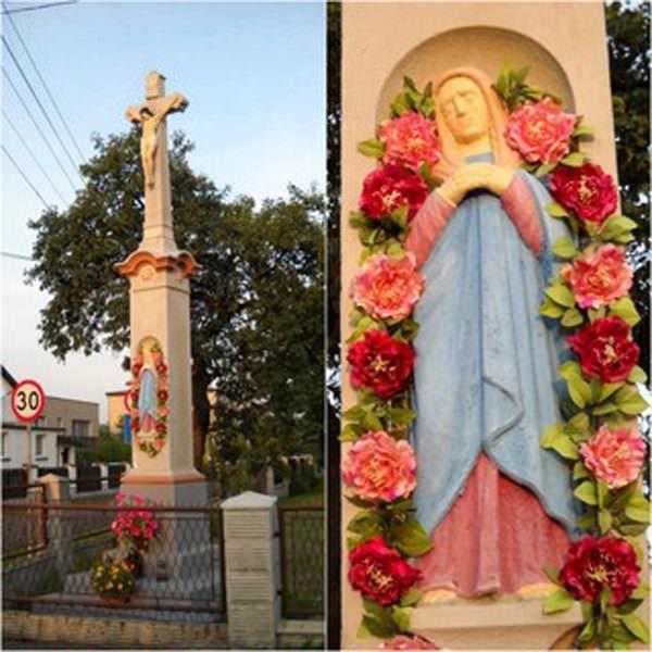 Zabytkowy krzyż wGardawicach