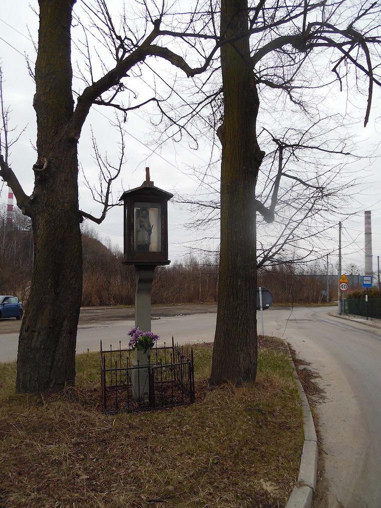 Kapliczka skrzynkowa w Łaziskach Górnych - Kornelia Sczekała